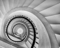 C-387 Винтовая лестница 300х238 Черно-белое