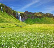 E-065 Прекрасный водопад 300х270 Пейзажи