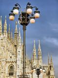 C-240 Фонарь у Миланского собора 200х270 Замки - Соборы - Церкви