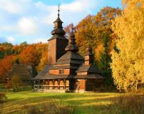 C-376 Церковь в осеннем лесу 300х238 Замки - Соборы - Церкви
