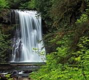 C-014 Водопад в зелени 300х270 Природа